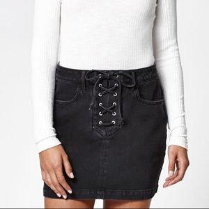 Kendall & Kylie Black Denim Lace Up Skirt Sz 26